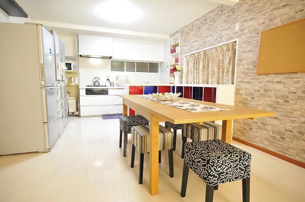 キッチンもリビングと一体型になっていて使いやすい!