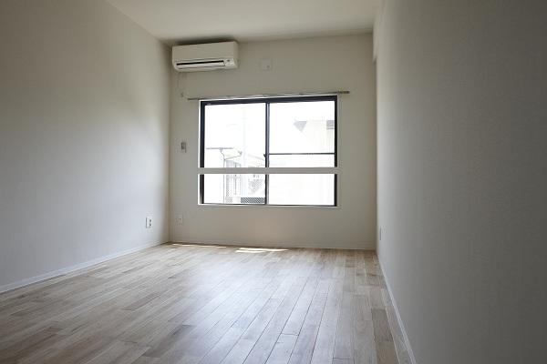 お部屋の広さが8畳ととてもゆとりを感じる広さです。