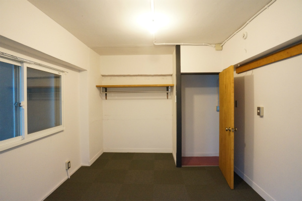 すべてのお部屋にパイプハンガーがあります。