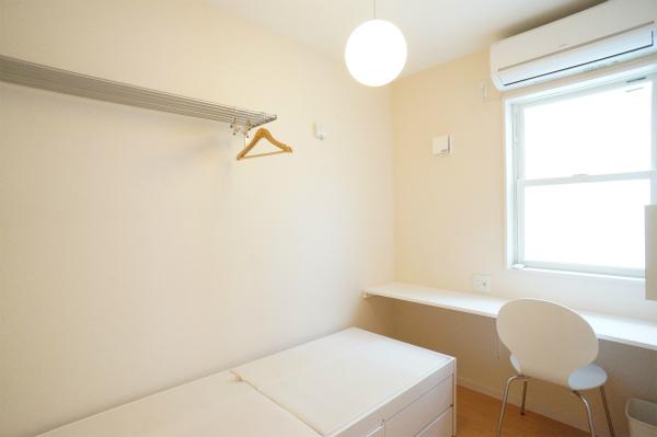 お部屋は、シンプルなので、自分好みのカスタマイズが簡単にできそう。