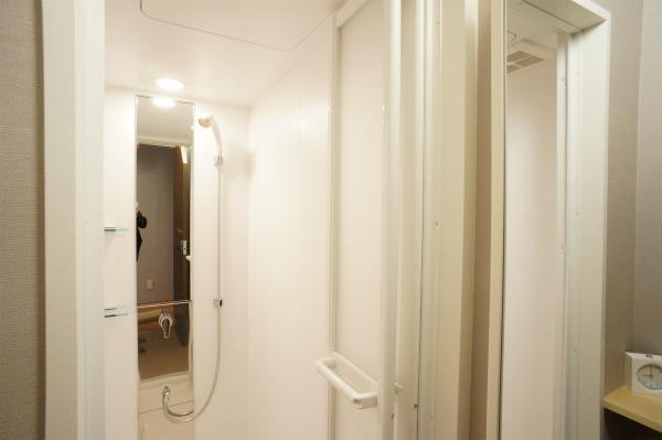 シャワールームも完備されています。サッといきたい時はこちら。