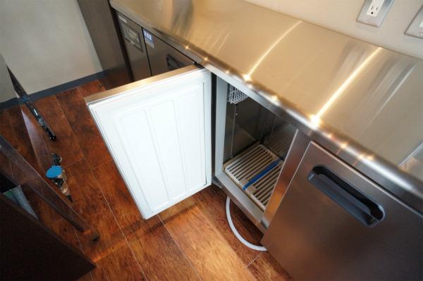 冷蔵庫はもちろん業務用です。