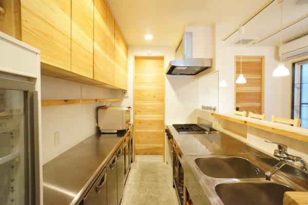 ここはキッチンスペース。裏方ですね。