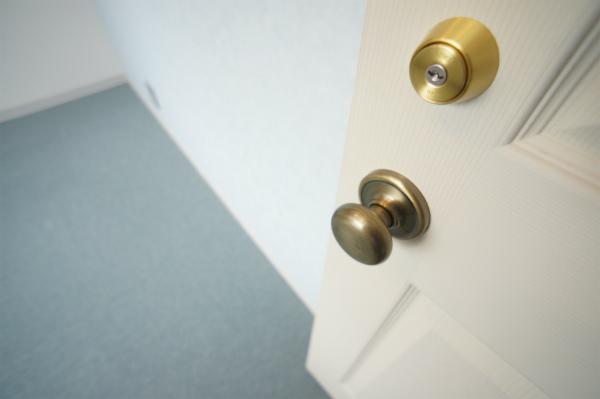 すべてのお部屋には鍵が掛かります。