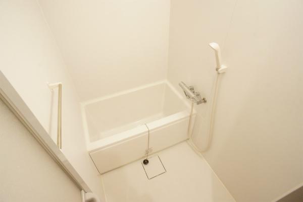 こちらはバスルーム。他にもシャワールームが1室あります。