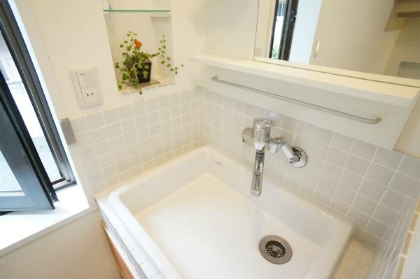 こちらは2Fの洗面所。