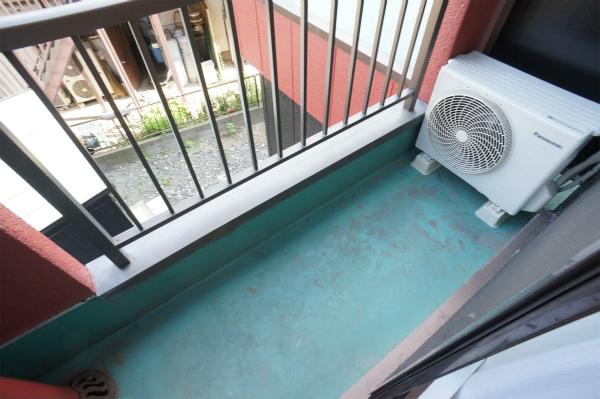 バルコニーがあるので、洗濯物も自由に干せそうです。