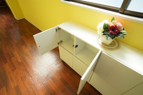廊下にも各お部屋ごとに収納スペースが用意されています。