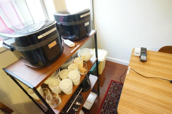 必要な家電・食器などもすべて揃っています。