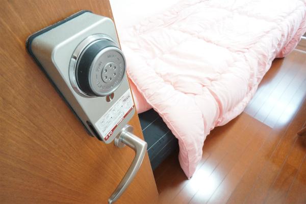 お部屋のカギはシャーロック。セキュリティもばっちりです。