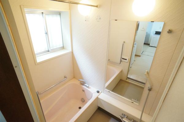 こちらはバスルーム。