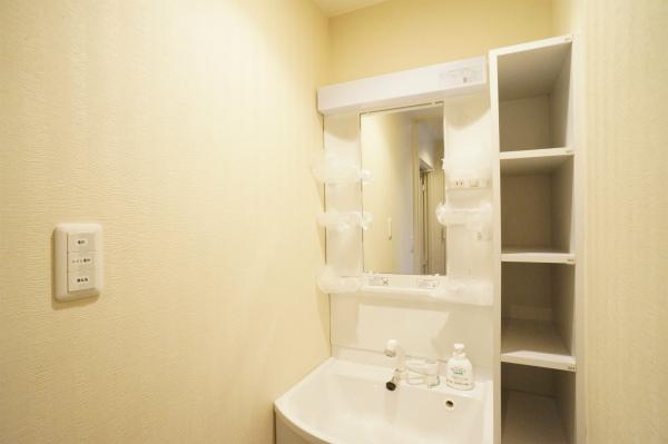洗面所も各フロア毎にありますよ。