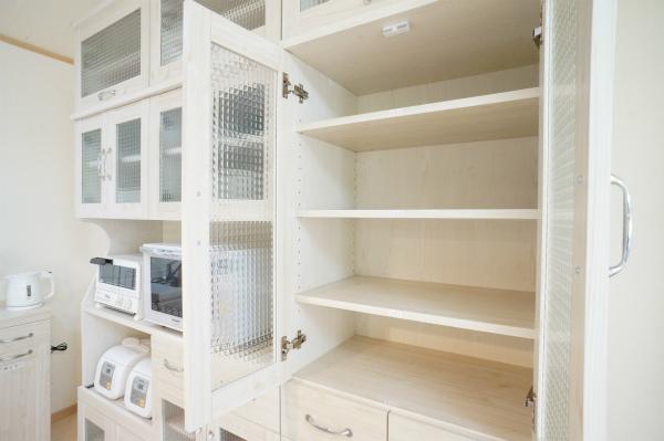 キッチン収納もしっかり用意されているのが嬉しい。