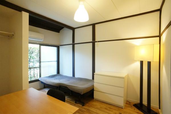 こちらのお部屋は6帖以上もあるので、とてもゆったり。他のお部屋は8帖の広さがあったり。