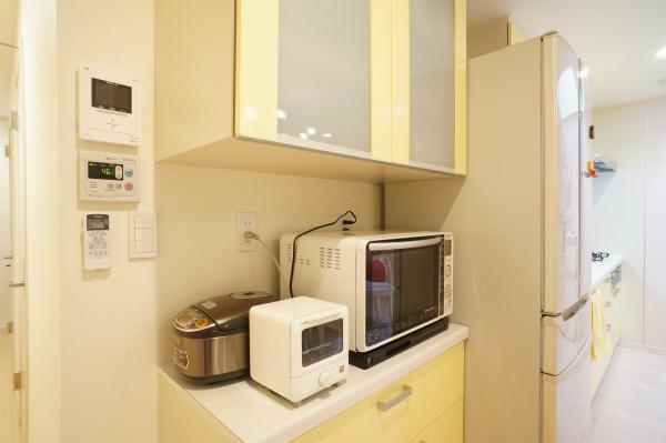 電子レンジ・炊飯器・トースターも完備です。