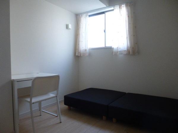 家具付のお部屋3です。