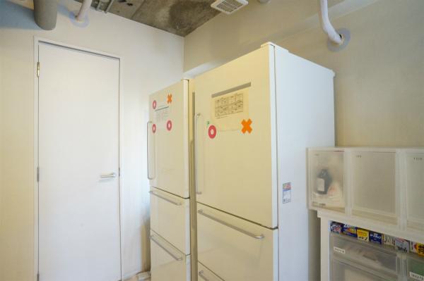 共用部には冷蔵庫が2台。