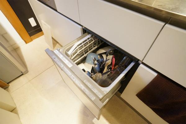 食洗器は、ホームパーティーの際には活躍しそうだね。