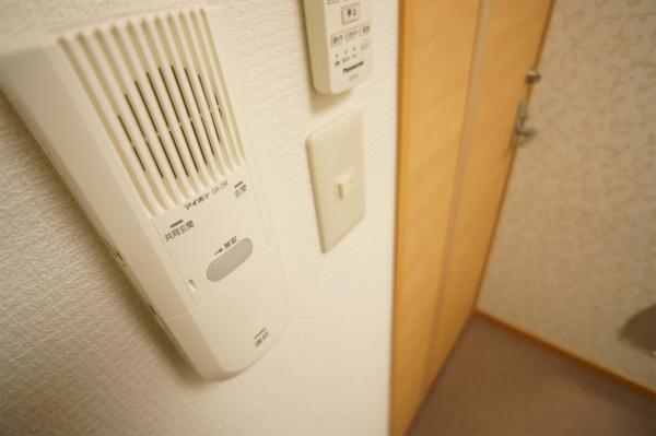 玄関のインターホンが直接お部屋まで通じています。