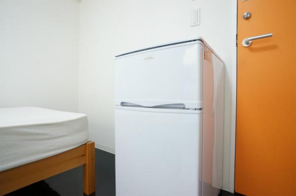冷蔵庫がお部屋にあると何かと便利です。