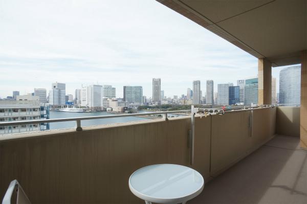 テラスからは東京湾を一望できますね。