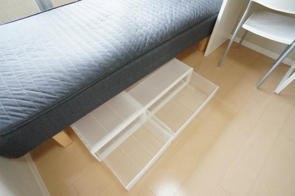 ベッド下収納もあるので、荷物が多い方でも安心。