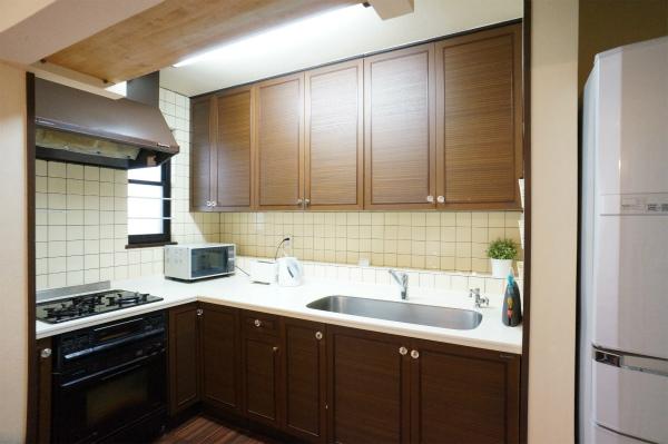 キッチンはL字型で使いやすいタイプです。