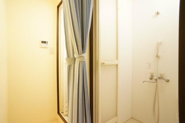 シャワー室 2ヵ所あります