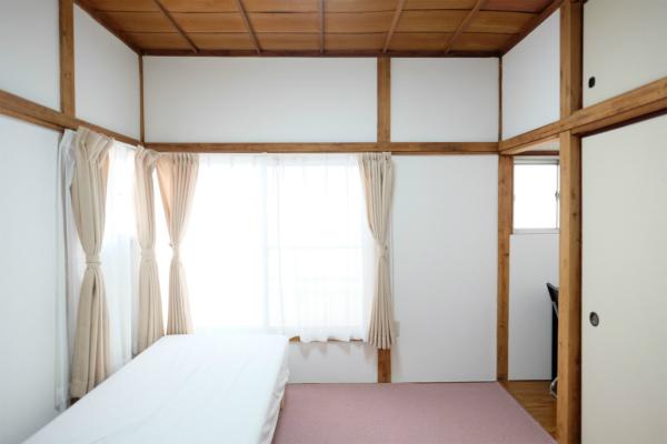 こちらは201号室です。全部屋が角部屋になっているのです。