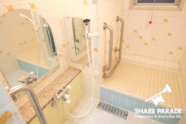 とっても広いシャワールームです。