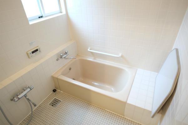 ゆったりしたバスルームです。