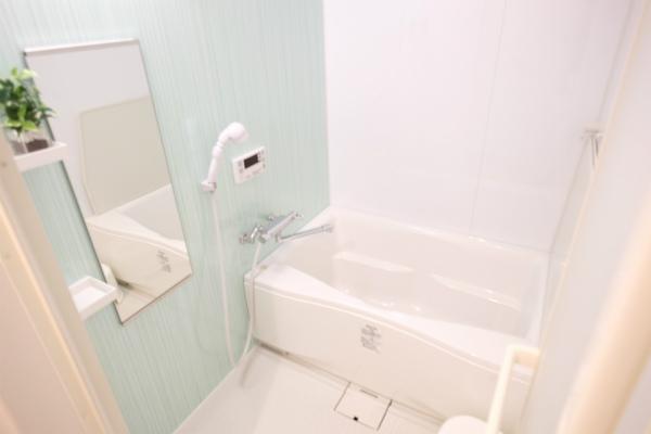 男女共用のバスルームもあります。