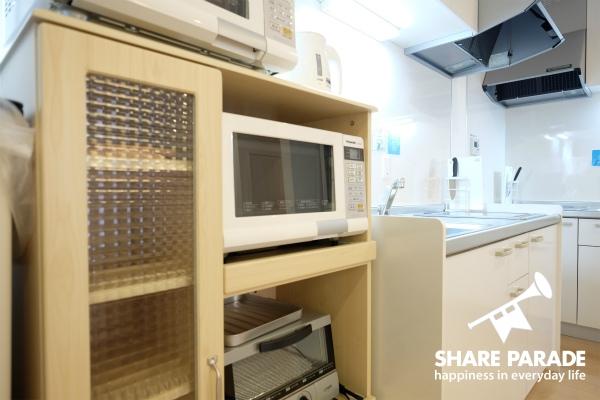 電子レンジやトースターなどの家電製品は揃っています。
