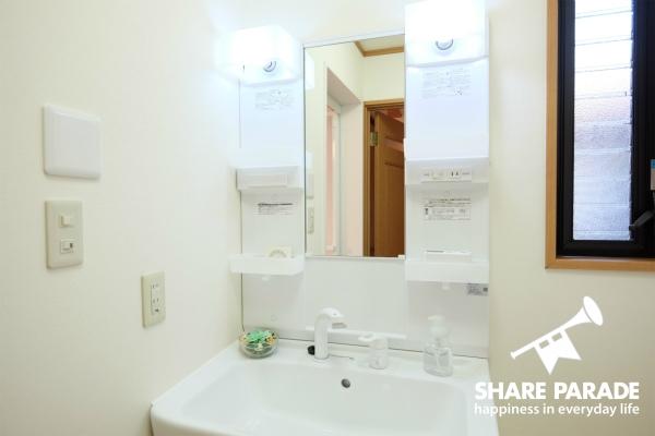 洗面所は2Fと3Fにあります。