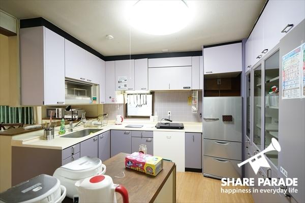 さすが豪邸だけあって、キッチンが広々としています。