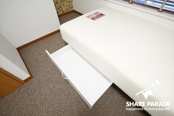 ベッド下収納も付いています。
