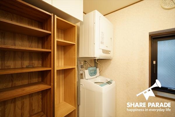 洗濯機だけでなく、乾燥機もあります。