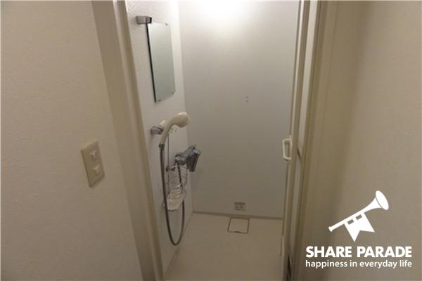 こちらはシャワールーム。