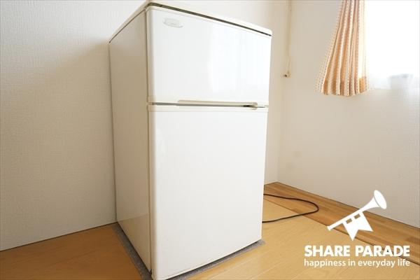 冷蔵庫はお部屋に完備。