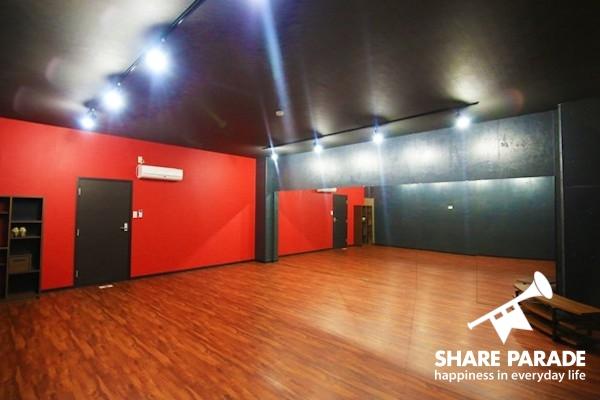 ダンススタジオの使い方はあなた次第です。