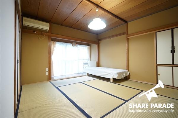 1部屋だけ和室タイプになっています。10帖もあって、広い!