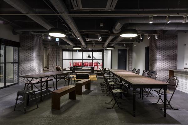 地下にはイベント開催も可能な共用部があります。