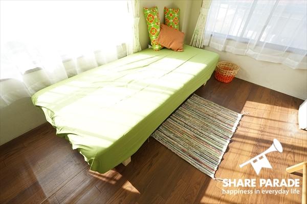 ベッドなど家具一式は揃っています。