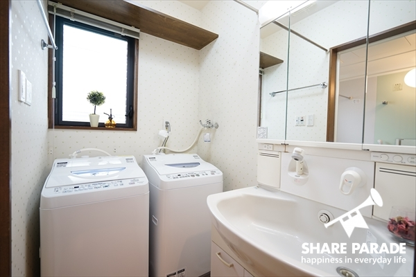 洗濯機が2台。