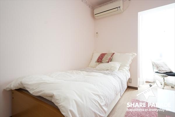 ベッドはアレンジの仕方によって、見違えます。