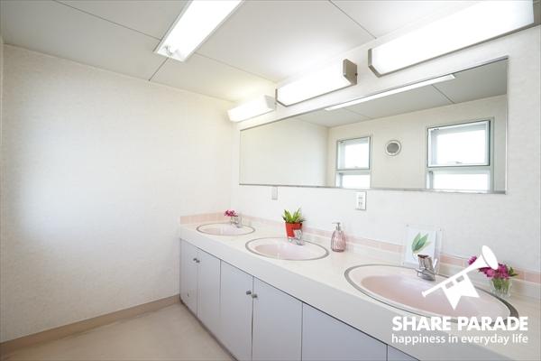各フロアに3つ洗面があるので、混雑の心配なし。