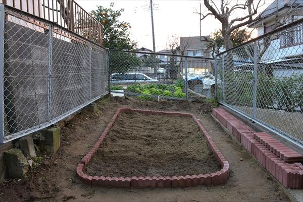 みんなで育てる家庭菜園スペースです。
