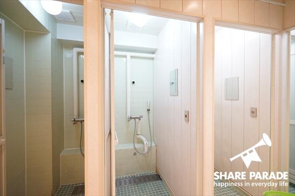 シャワーブースは10室もあります。