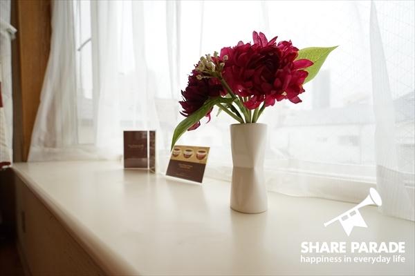 出窓にもお花が。