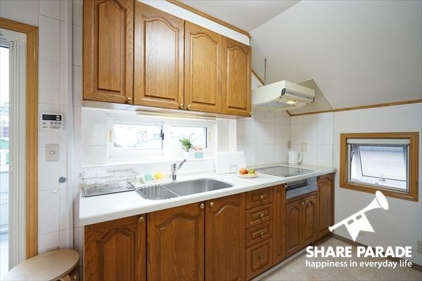 広々としたキッチンです。使い勝手がよい。